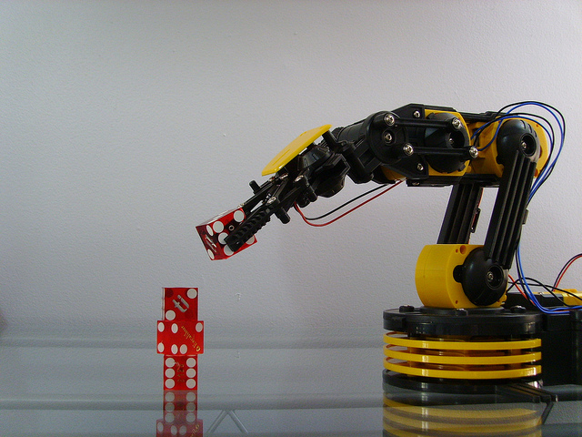 roboty-zastepujace-ludzi